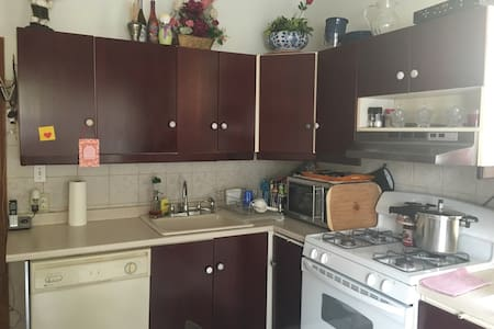 2 BDRMS & Kitchen-Near NYC - Διαμέρισμα