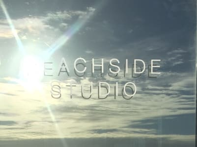 Beachside Studio (literally!!) - アパート