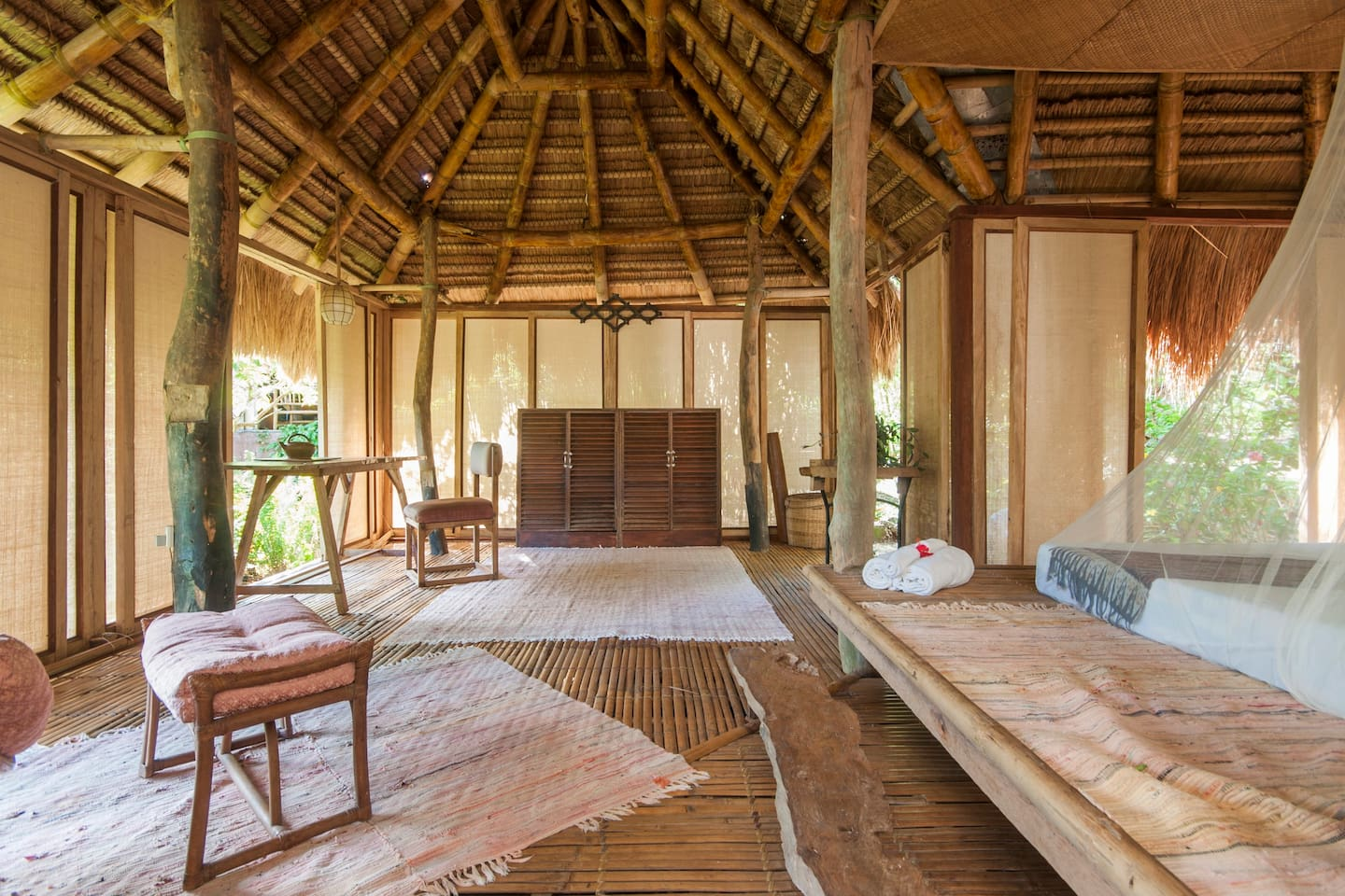 At one with nature, Muntinglupa Bungalow offers a relaxing and serene escape for those something more and different than the usual hotel stay.