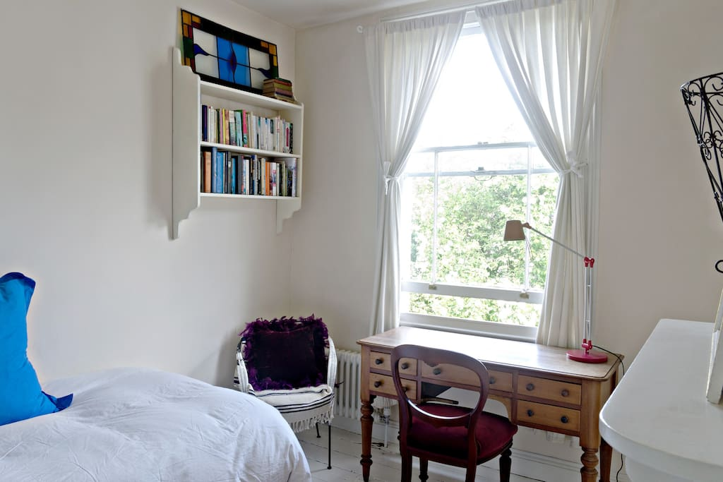 Tranquil Room near City Centre