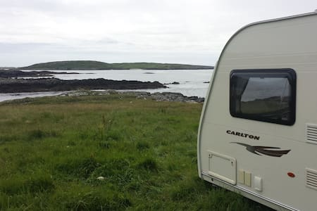 Caravan with stunning seascape view - Clifden