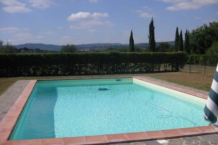 Il Poggio- San Gimignano: Villa, Park and Pool - Villa