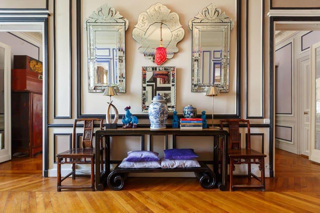 Cinese art with Venetian mirrors