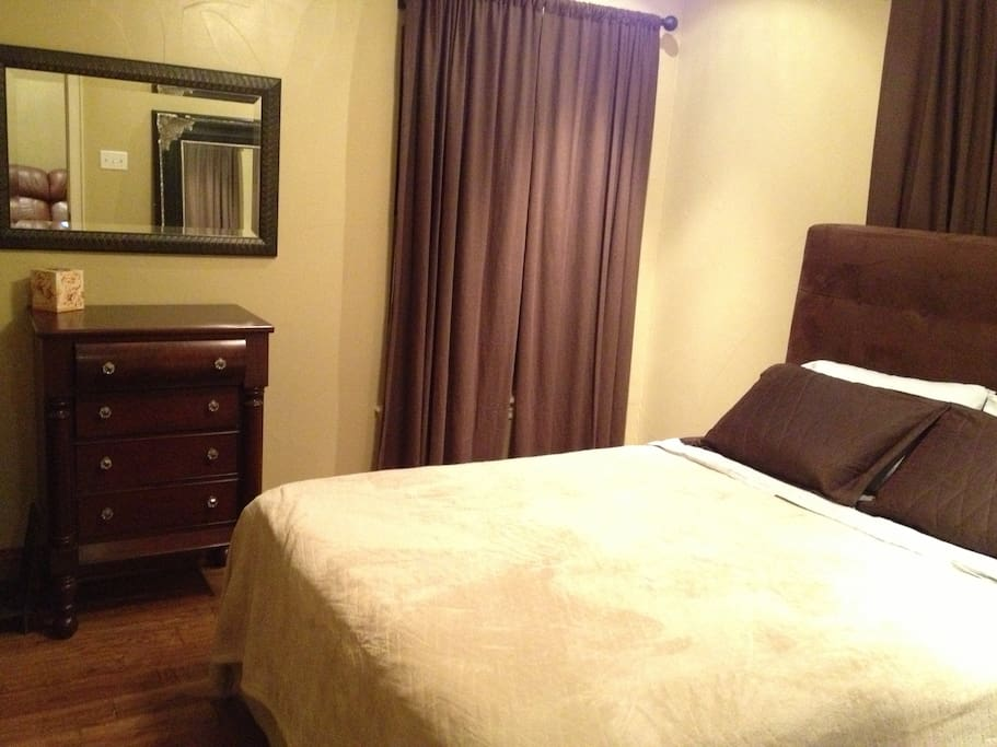 The bedroom with new queen mattress.