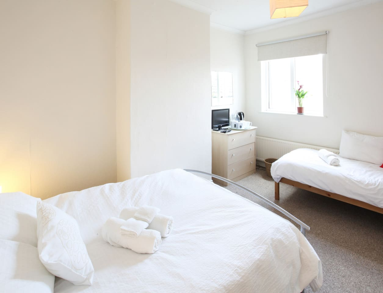 comfy beds, wifi, cable tv, tea and coffee, hairdryer, chest of drawers