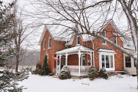 Niagara Century Farmhouse - Ház