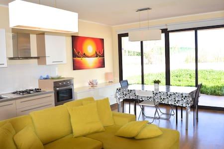 Villa Topazio - Modern and bright villa with large garden near Marzamemi - Villa