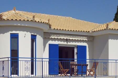 Villa an griechischem Traumstrand - Villa