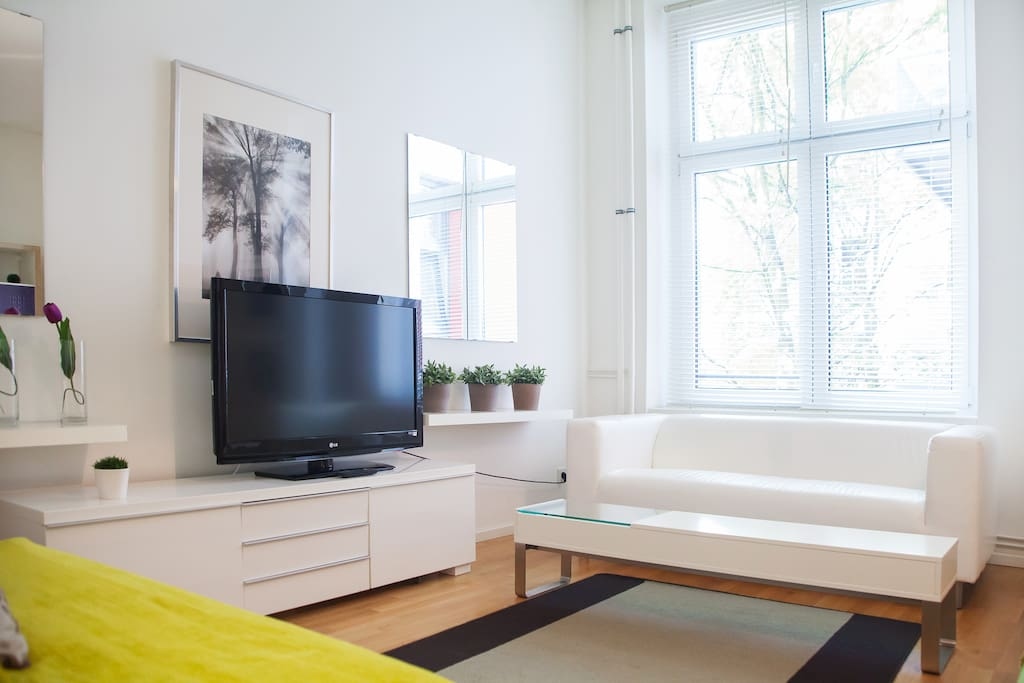 MODERN SPACIOUS STUDIO IN KREUZBERG