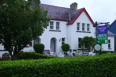 The Old Cable Historic House c.1866 - Bed & Breakfast