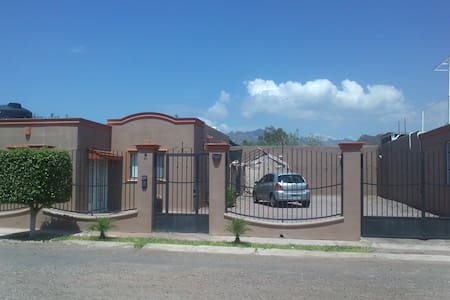 VILLAS TETAKAWI  Casa TORIM 48 GYM cerca - House
