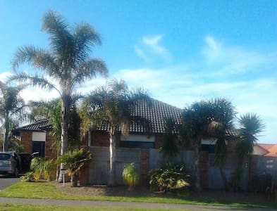 Close to Cafe's and Beach for Xmas and New Year - Papamoa - Casa