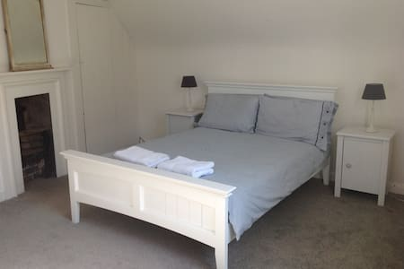 King St Townhouse, Old Town Margate, double bed - House