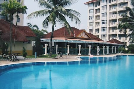 Ocean View Resort [ Able to fit 5-10 People] - Port Dickson - Lakás