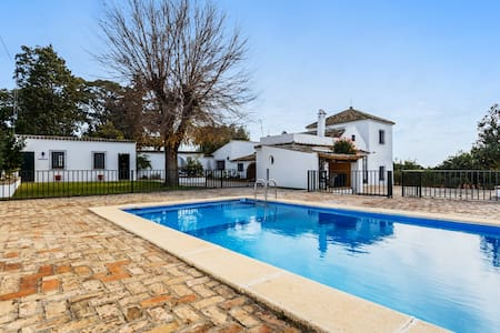 Beautiful villa near Seville w/pool - Olivares, Sevilla