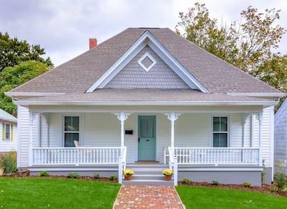 Beautiful, Historic, Stylish Remodel near Downtown - Winston-Salem