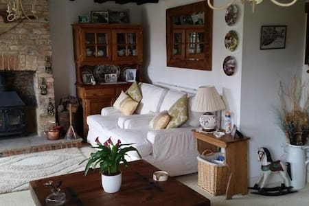 Charming English Cottage Close to The Euro Tunnel - Bed & Breakfast