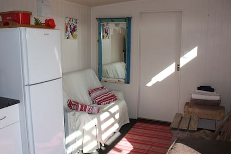 Comfort quiet private rural cabin - Auckland - Hytte