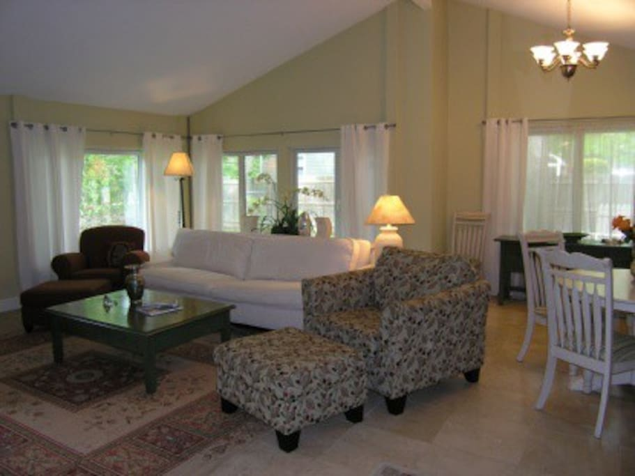 Large open living room space with ample seating to accommodate your entertaining needs...