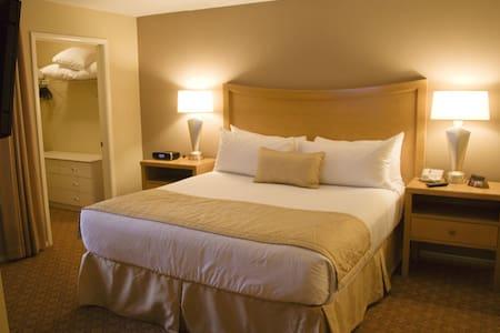 Private 1bedroom - Condo @ Desert Paradise Resort - Las Vegas