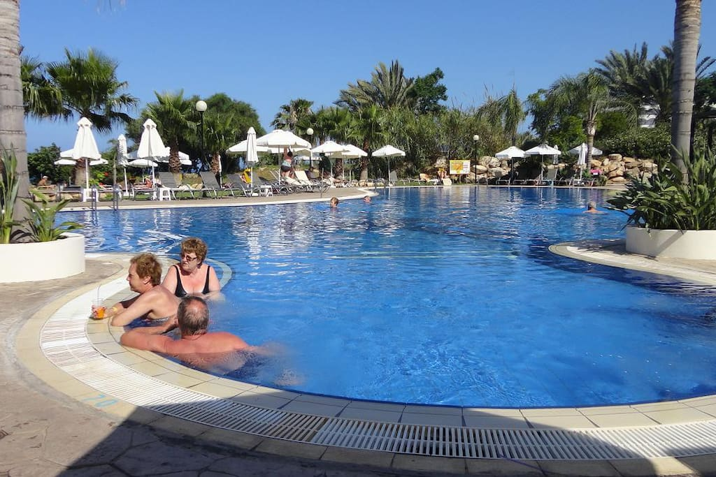 Kouzalis hotel swimming pool with free access to our guests