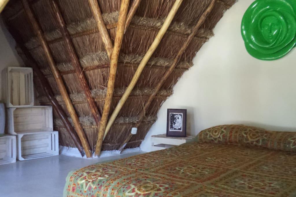 Rustic bedroom for 2.