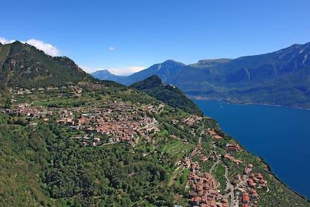 Villa delle Rose-Tignale-Gardasee - Apartment