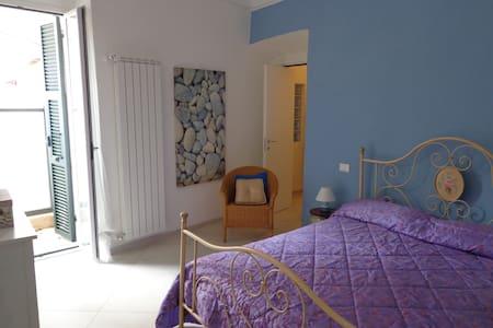 Splendido appartamento per 2 in centro paese - Santo Stefano al Mare - Apartment