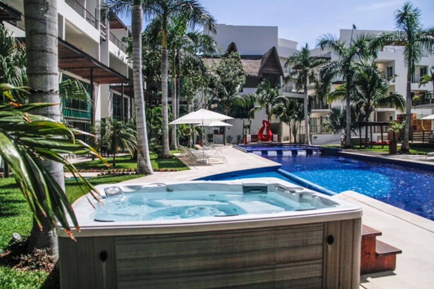 Best pool and place. Luxury 2 bed