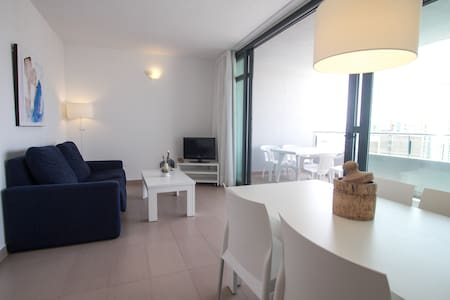 New Apartment in Benidorm & Pool - Wohnung