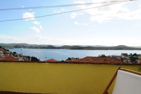 Sea-view Rooms with terrace and private bathroom - Šibenik - Bed & Breakfast