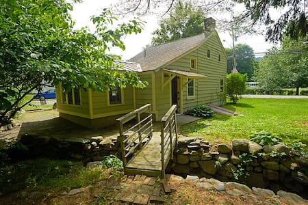Historic Home for Hikers - Bungalow