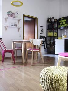 Gemütliche Wohnung in Messenähe mit kleinem Balkon - Düsseldorf