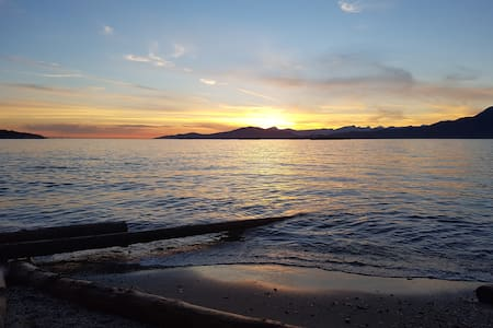Apartment by the Beach!  Perfect vacation location - Vancouver - Apartment