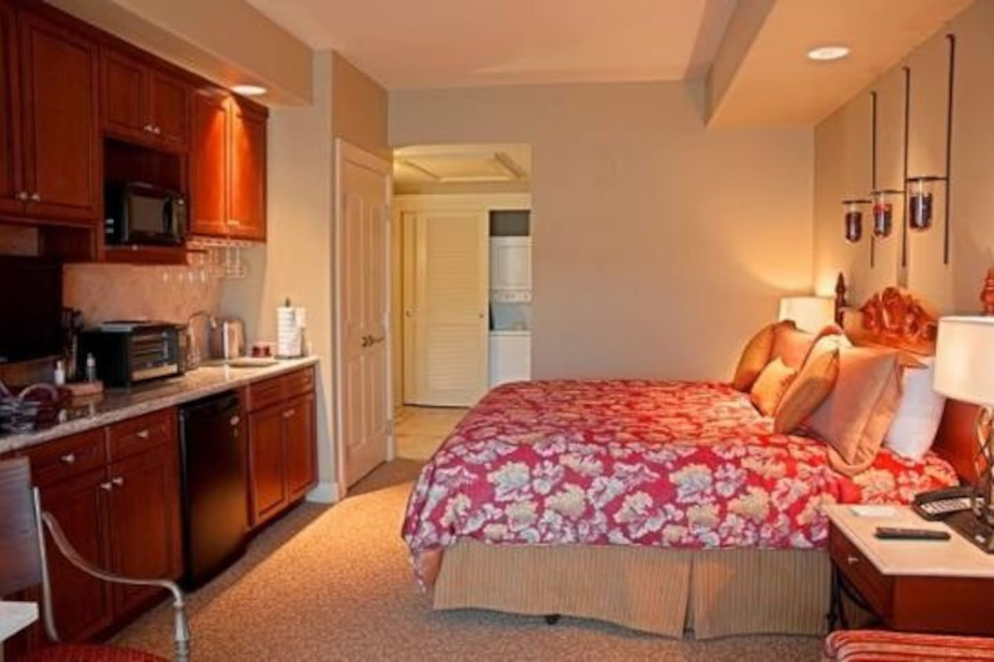 Upscale Napa Full Svc Resort Studio