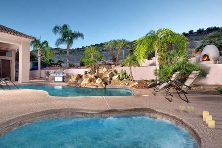 Thunderbird Mountain- Pool, Hot Tub, Tons of Fun! - Maison