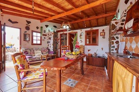 Casa Las Piedras - Rumah