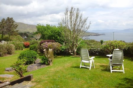 Ring of Kerry-Family holiday- views of Kenmare Bay - Hus