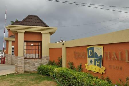 Experience Jamaica, Ocho Rios Villa - Haus