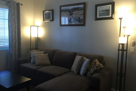Newly Remodeled & Near Beach - Apartamento