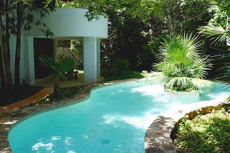 CASTELLI JUNGLE VILLA WITH PRIVATE POOL - Punta Maroma