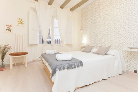 best location (Pl.Cataluña) - Barcelona - Apartamento