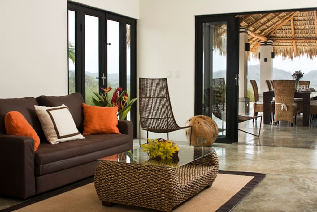 Palm House: Exquisite Exotic Home