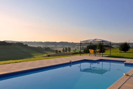 Charming Renovated Barn With Pool - Castelsagrat