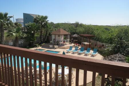 ISLAND GetAway for COUPLE or FAMILY - Port Aransas - Apartment