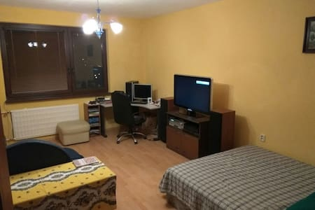 Double bed in technology apartment - Apartmen