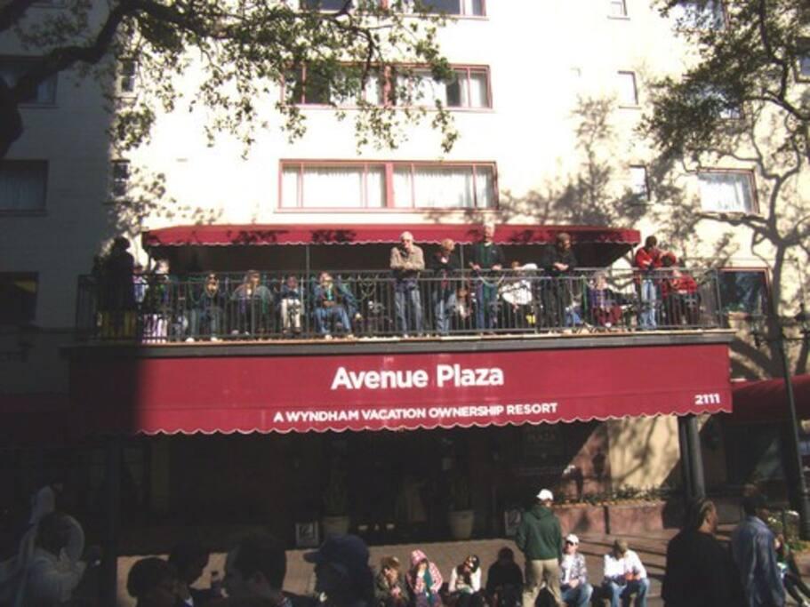 New Orleans 1br Suite, Avenue Plaza