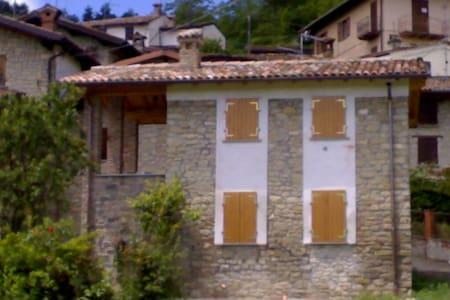 Casetta in collina - Bozzola