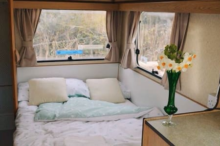 Caravan in Rural Sussex.  A Getaway - Pousada