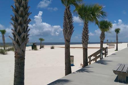 Welcome to the Beach Life! - Sorház